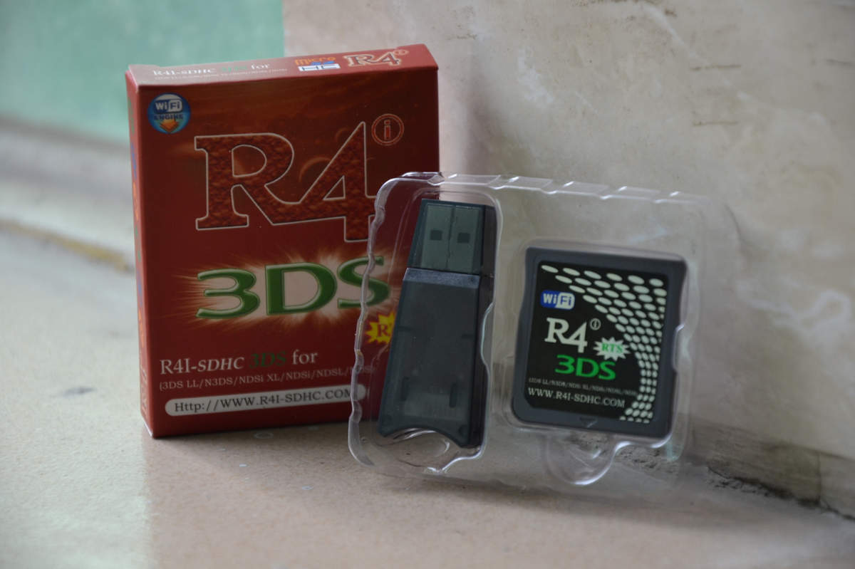 R4i-Gold-3ds-Cards
