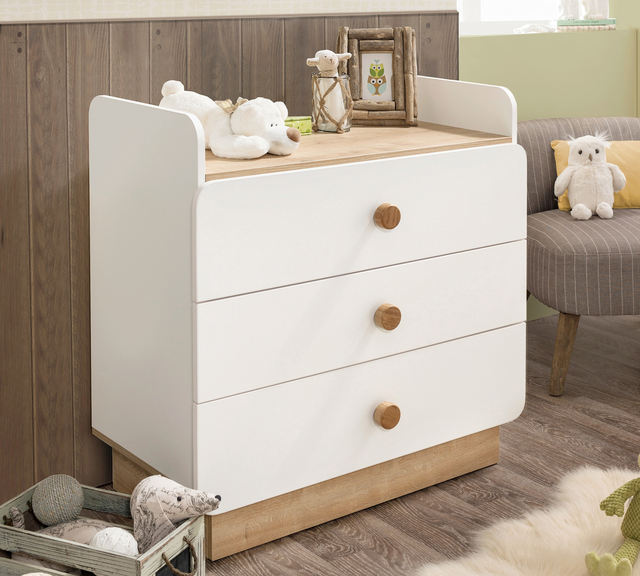 How to Choose Between a Single Drawer Dresser and a Four Drawer Dresser
